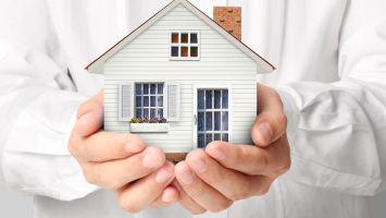 Что лучше дарственная или завещание на квартиру?